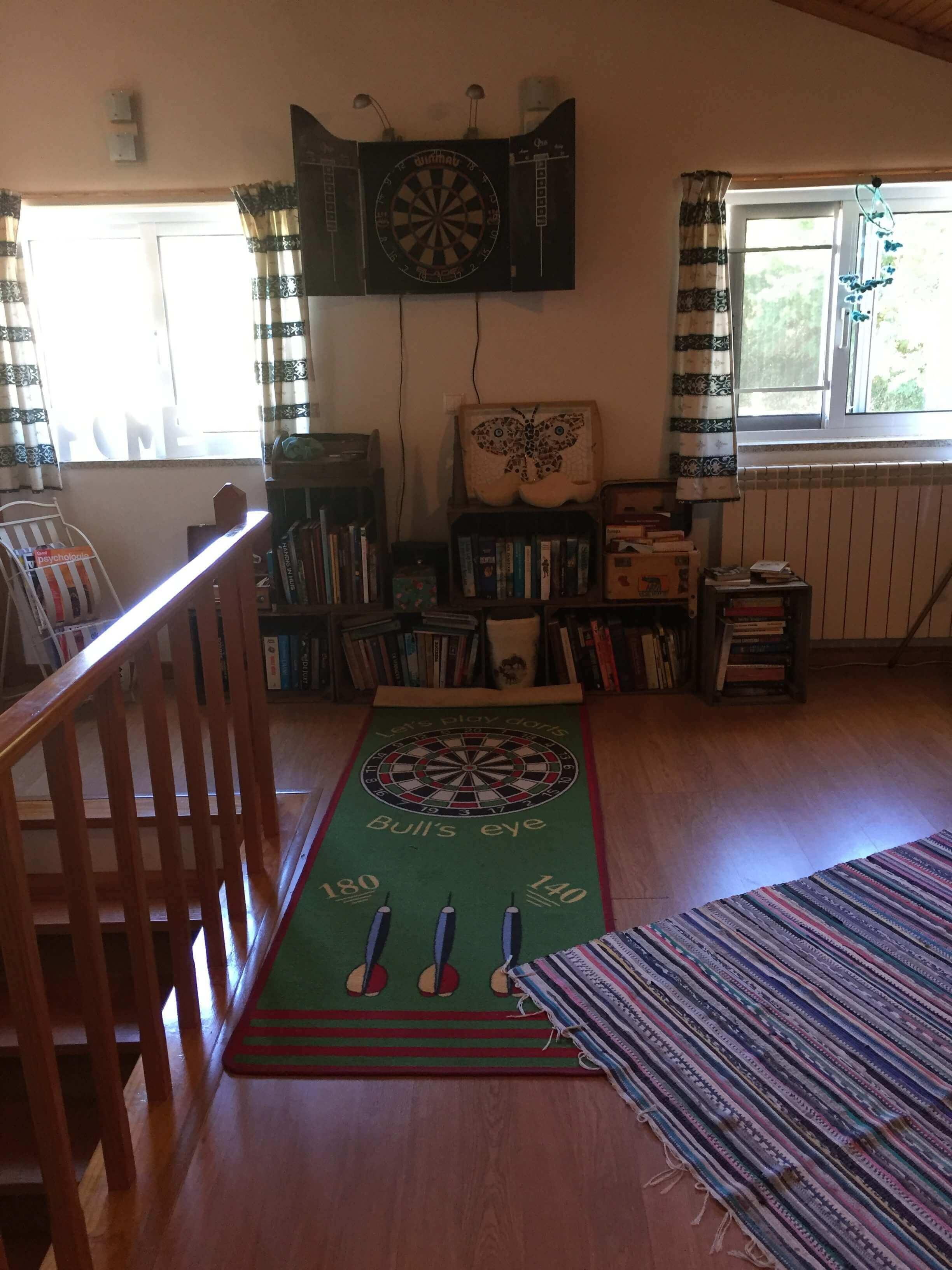 bibliotheek en spelletjesruimte