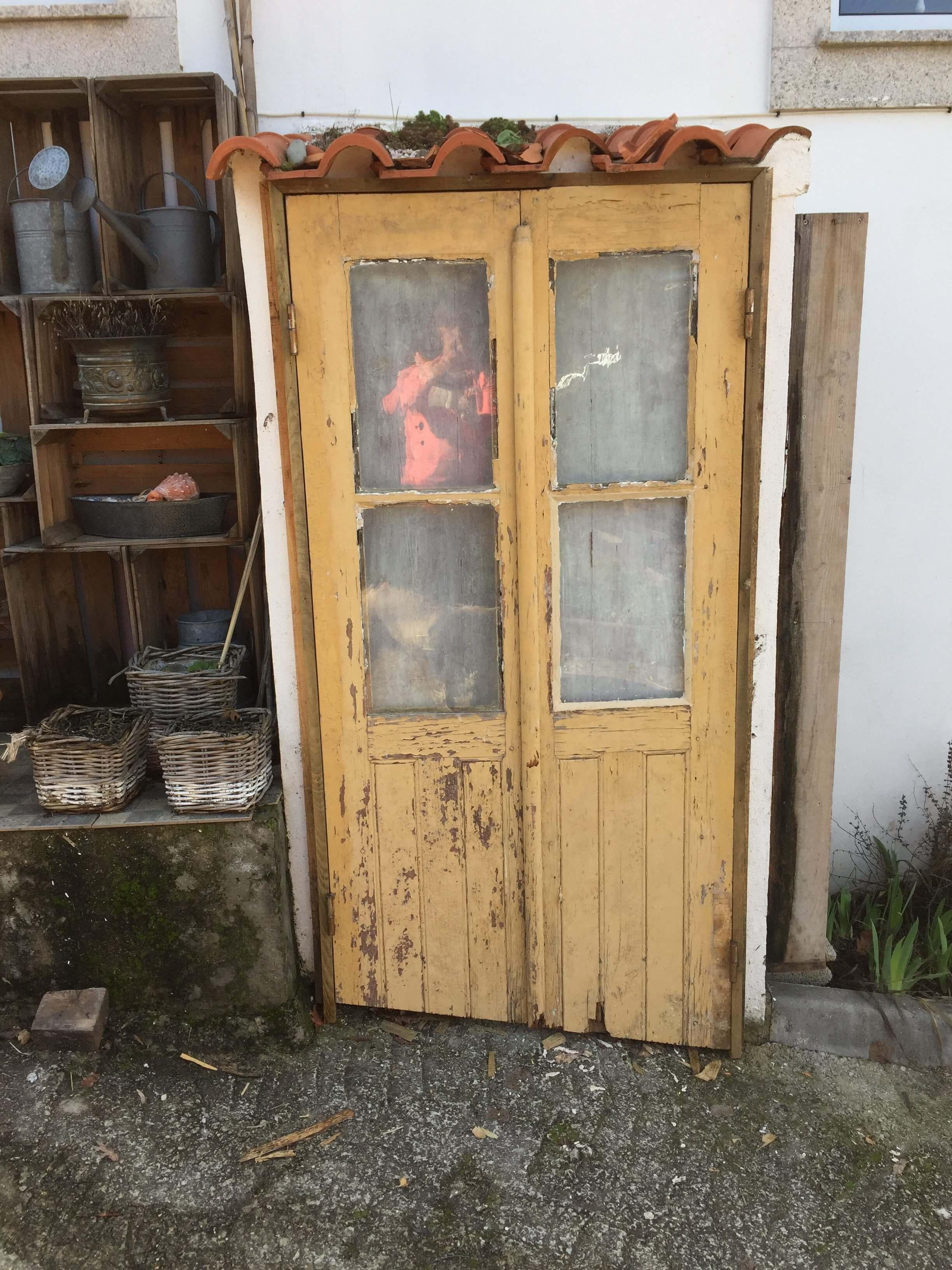 Casa Traca, deuren gashok
