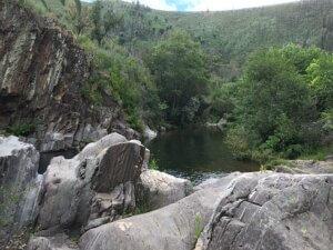 Rio Alva Arganil serra do acor Casal Novo poco da cesta